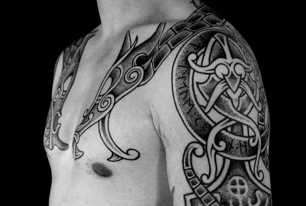 Тату в скандинавском стиле - значения, примеры и эскизы
